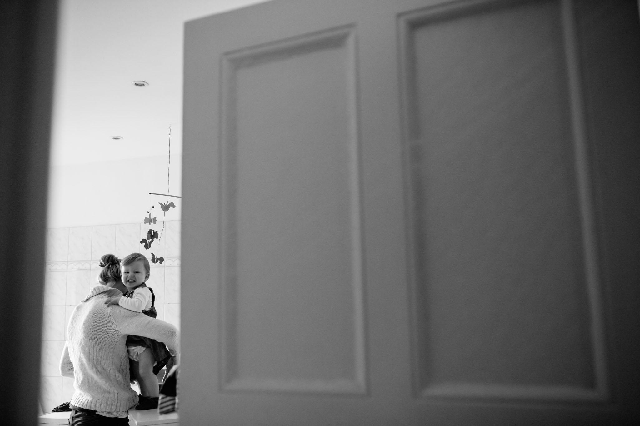 familienfoto-reportage-schwarzweiss-storytelling-berlin-kreuzberg
