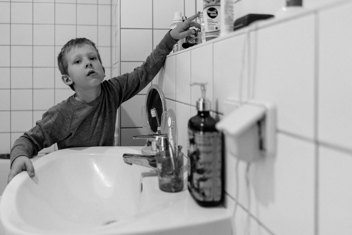 familienfotograf-berlin-reportage-dokumentarisch-zuhause