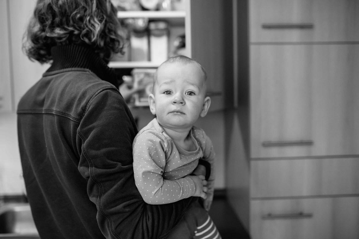 familienfotos-berlin-friedrichshain-zuhause-reportage