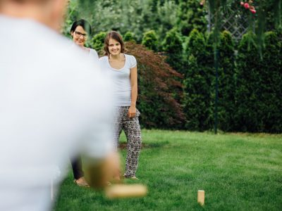 Sunday afternoon in the garden — reportage family photos in Berlin