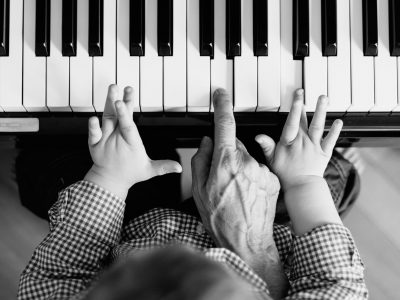 Coffee, Piano and Cookies – A Sunday Afternoon in the Family